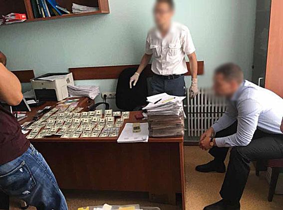 Обушки у Харківській мерії: офіціальна інформація поліції  - фото 1