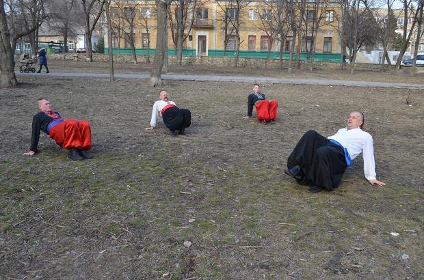 Топ-10 вправ справжньої січової зарядки від головного козака України Олександра Притули - фото 14