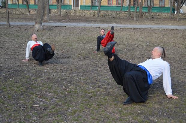 Топ-10 вправ справжньої січової зарядки від головного козака України Олександра Притули - фото 15