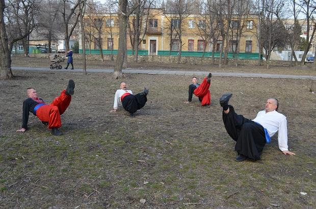 Топ-10 вправ справжньої січової зарядки від головного козака України Олександра Притули - фото 16