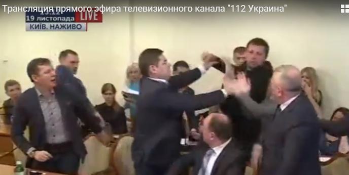 """Парасюк на антикорупційному комітеті накинувся на """"Антибіотика"""" - фото 1"""