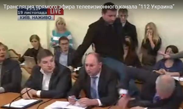 """Парасюк на антикорупційному комітеті накинувся на """"Антибіотика"""" - фото 2"""