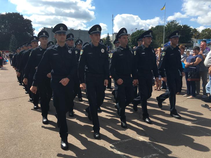 Хмельницьким крокує марш-парад оркестрів - фото 12