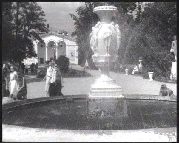 Забуті каруселі та фонтан без скульптур: як виглядав вінницький парк десятиліття тому - фото 6