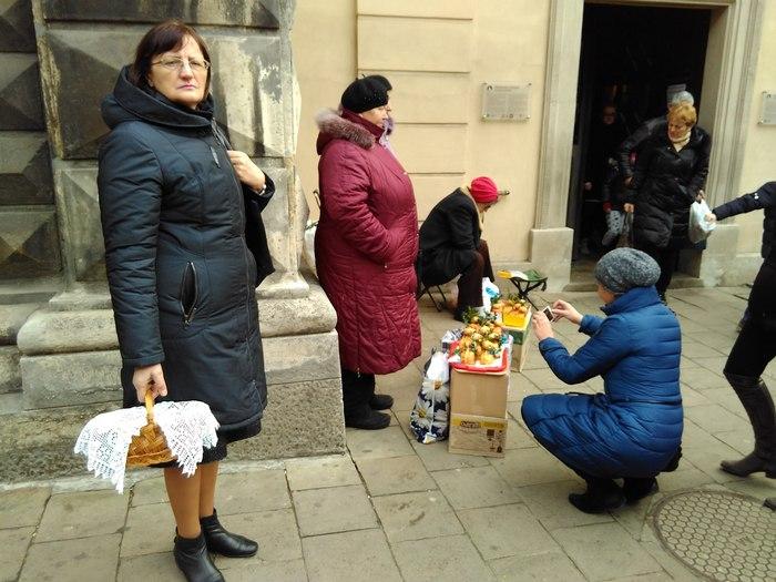 У Львові вже освятили паски - фото 6