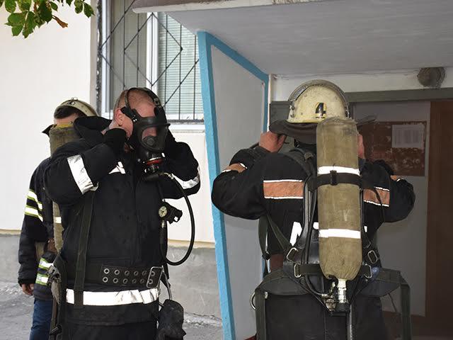 У Миколаєві горіла багатоповерхівка - фото 2