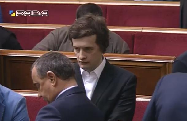 """Як Порошенко-молодший """"попелив"""" поглядом Тимошенко  - фото 1"""