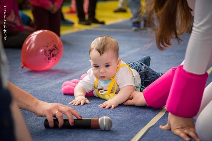 У Бердянську пройшов чемпіонат швидкісного повзання для немовлят  - фото 3