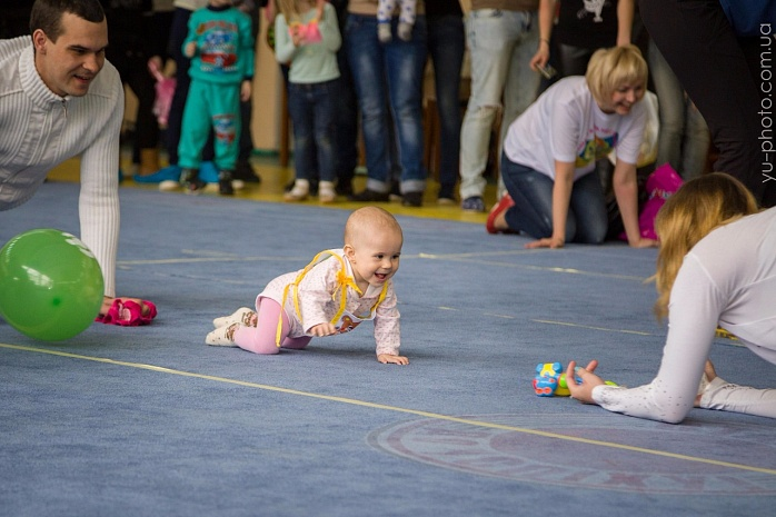У Бердянську пройшов чемпіонат швидкісного повзання для немовлят  - фото 4