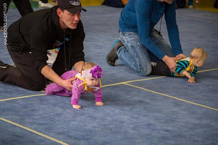 У Бердянську пройшов чемпіонат швидкісного повзання для немовлят  - фото 6