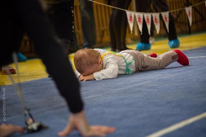 У Бердянську пройшов чемпіонат швидкісного повзання для немовлят  - фото 7