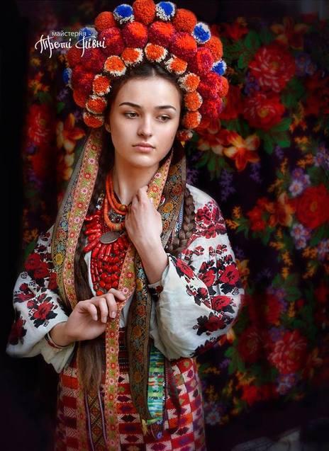 Як українки вбиралися на свята понад 100 років тому  - фото 7