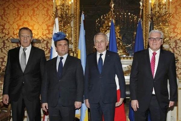 """У мережі """"тролять"""" посла України на прийомі у Єлизавети ІІ - фото 3"""