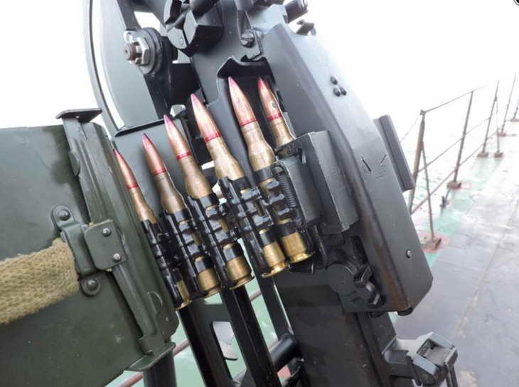 Персонал екіпажів катерів морської охорони відпрацював стрільбу з озброєння, що розташоване на катерах - фото 4