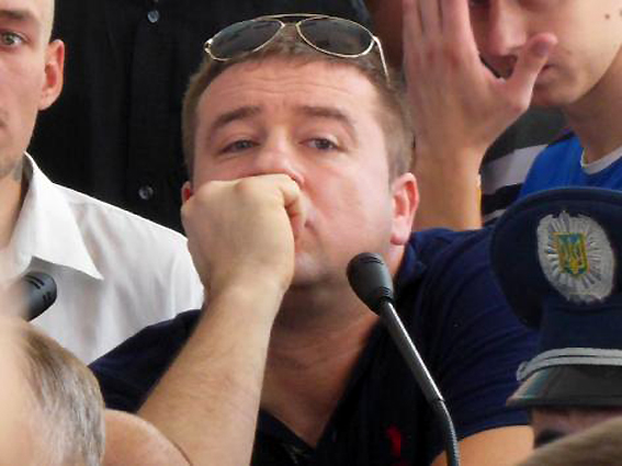 """Імовірного """"тітушковода"""" у Дніпорпетровську судять ще й за розбійний угон авто - фото 1"""