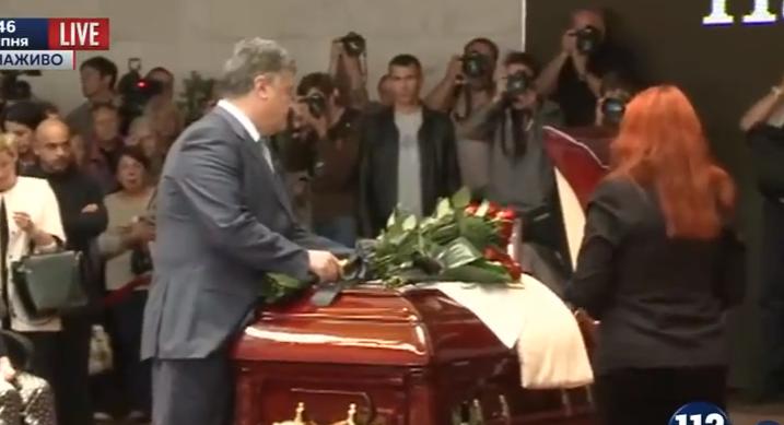 Порошенко прийшов вшанувати пам`ять журналіста Шеремета - фото 1