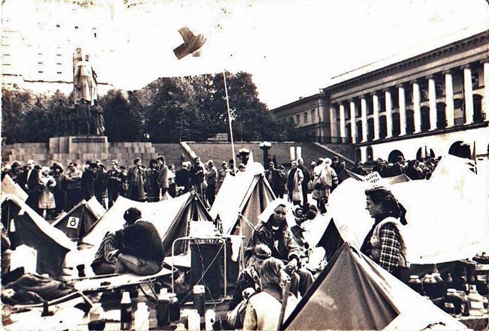 Тягнибок похвалився, як студентом здобував Незалежність (ФОТО) - фото 4