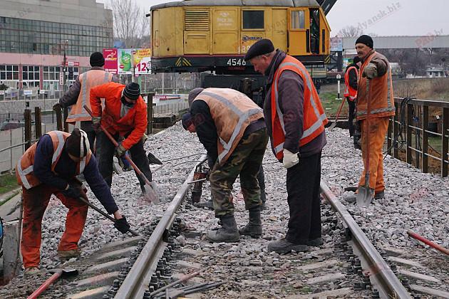 У Бердянську відремонтували 100-річний залізничний міст  - фото 1