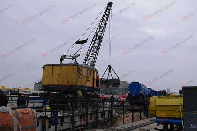 У Бердянську відремонтували 100-річний залізничний міст  - фото 2