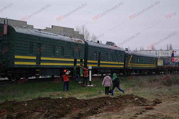У Бердянську відремонтували 100-річний залізничний міст  - фото 5