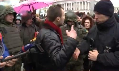 На Майдані сталася сутичка - фото 2