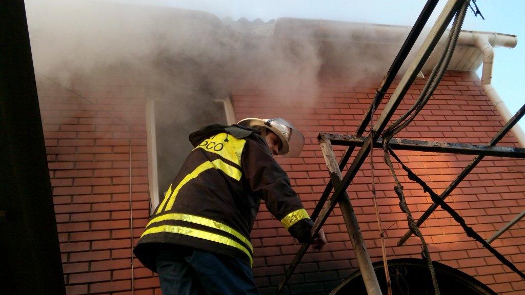 В Бердянську згоріла сауна у приватному будинку  - фото 1