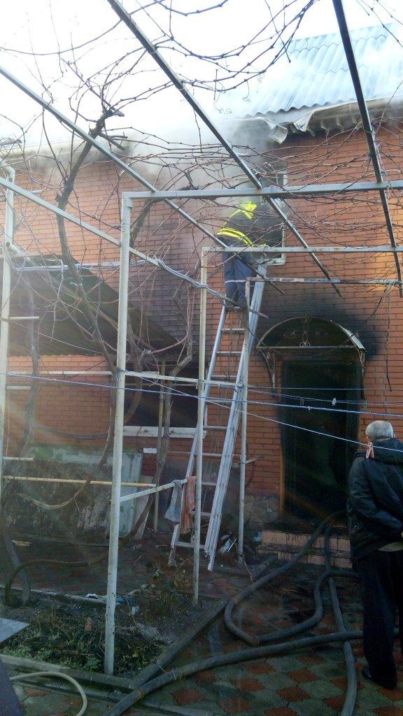 В Бердянську згоріла сауна у приватному будинку  - фото 2