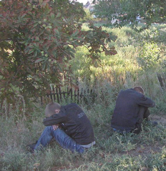 На Миколаївщині серійній крадії обчищали вантажівки під час руху