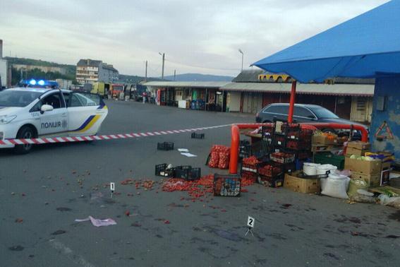 Бійка та стрілянина на ринку у Мукачевому: є поранені - фото 1
