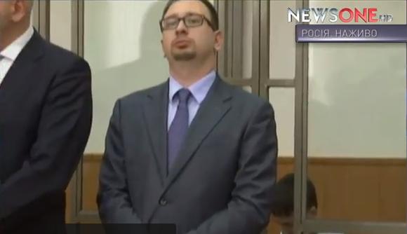 Надії Савченко дозволили сидіти під час оголошення вироку  - фото 3