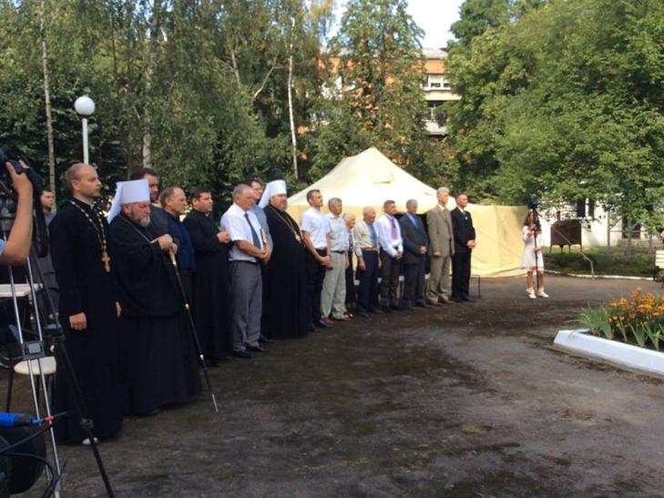 Службовці і служителі Хмельниччини зібралися на молитовний сніданок - фото 1