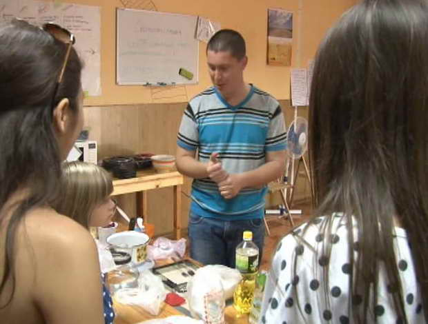 На першому майстер-класі викладача права бердянці готували маршмеллоу - фото 1