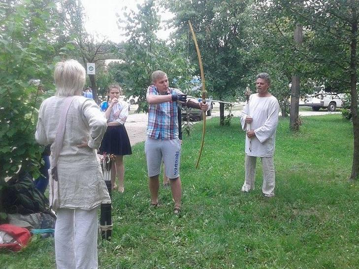 """На свято """"Івана Купала"""" вінничани ліпили вареники у парку (ФОТО) - фото 6"""