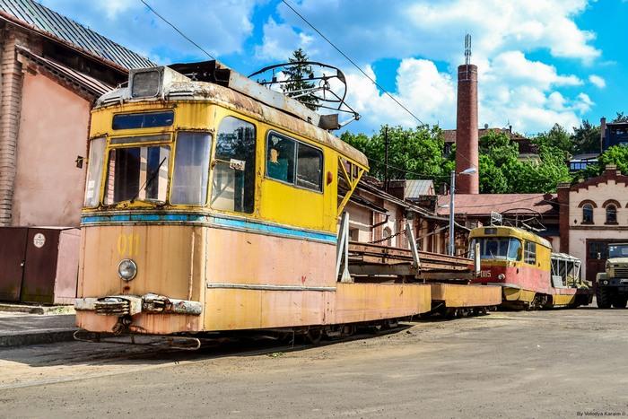 У Львові розкрадають раритетний трамвай - фото 4