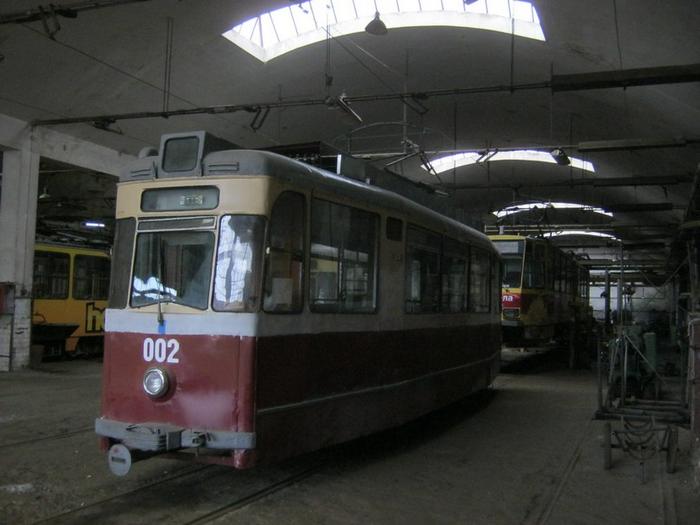 У Львові розкрадають раритетний трамвай - фото 1
