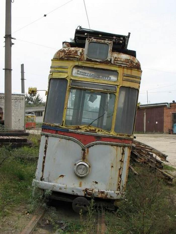 У Львові розкрадають раритетний трамвай - фото 3