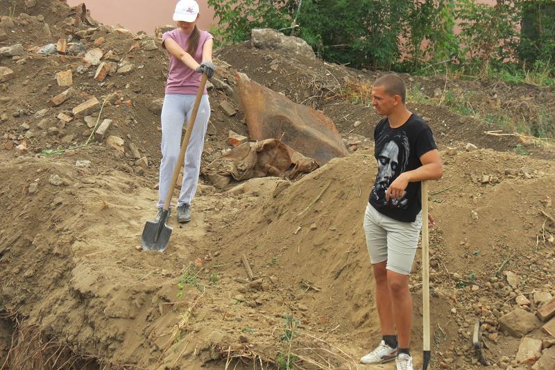 Біля вінницьких Мурів знову шукають артефакти (ФОТОРЕПОРТАЖ) - фото 3