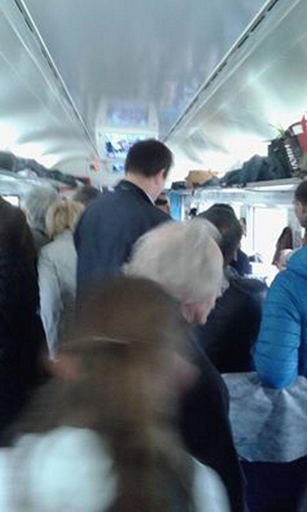 """Як з Києва до Львова люди стояли у """"Хюндаї"""" - фото 1"""