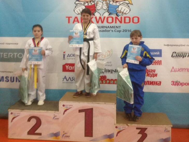 25 медалей вибороли юні тхеквандисти Хмельниччини на Всеукраїнському турнірі - фото 3