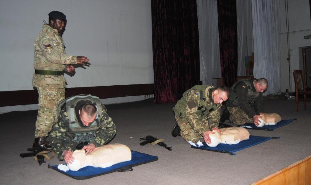 Як британці українських солдат на стандарти НАТО переводили - фото 5