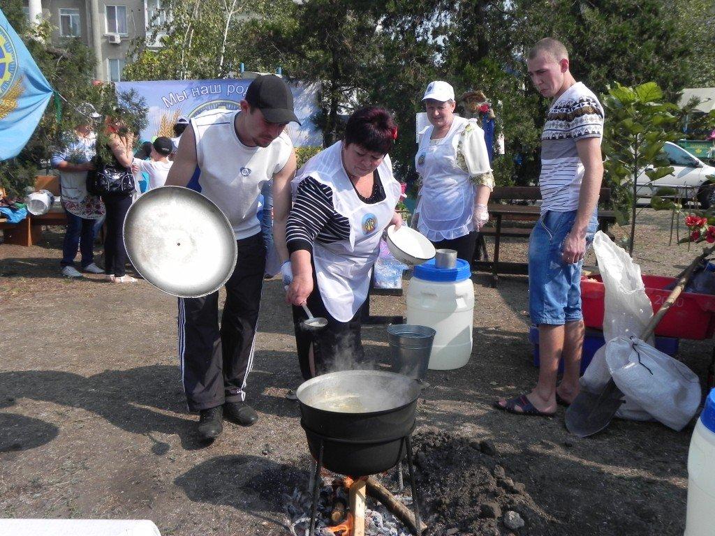 У Бердянську провели фестиваль юшки - фото 3