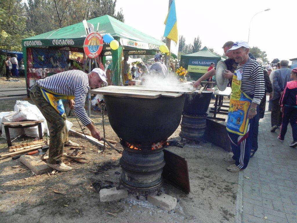 У Бердянську провели фестиваль юшки - фото 4