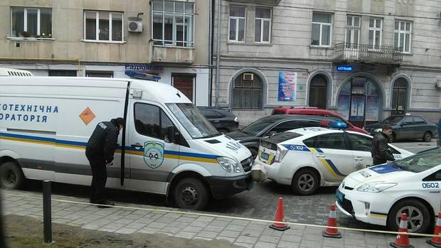 У Львові вкторе замінували супермаркет - фото 1