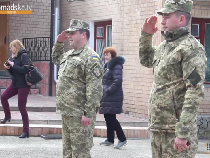 З Кам'янця-Подільського чергова партія контрактників відправилася до війська - фото 1
