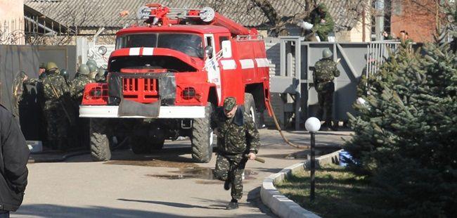 Хроніки окупації Криму: українські військові вже готові стріляти в окупантів - фото 12
