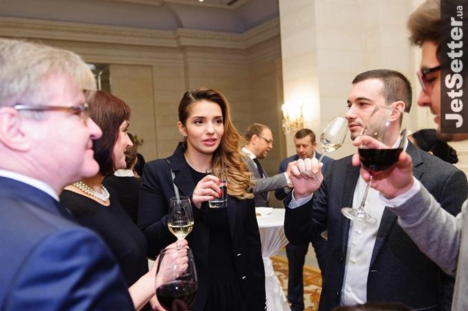 Як донька Тимошенко з чоловіком благодійний бал влаштувала  - фото 5