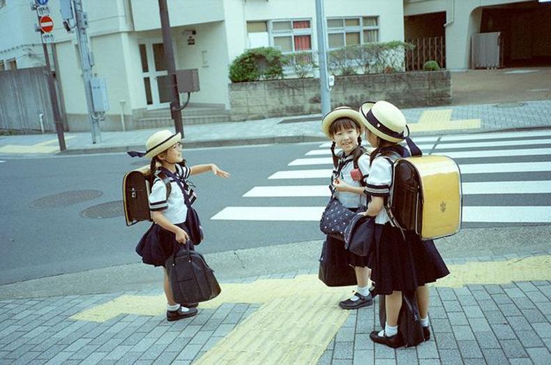 День знань: у всьому світі свято для дітей, а в нас – як на Росії - фото 18
