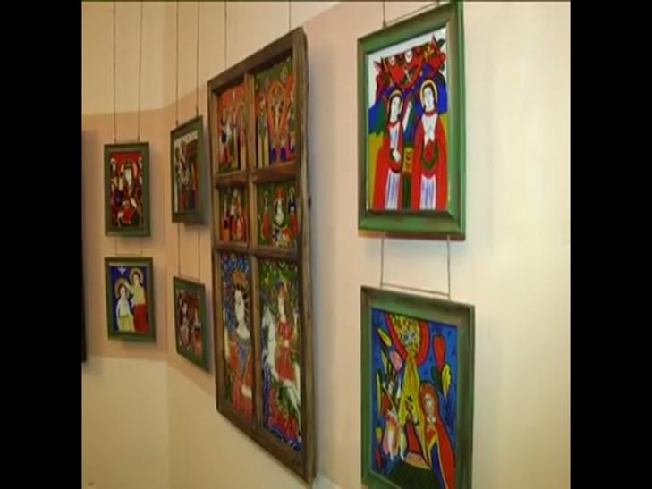 Ікони написані на склі в народному стилі експонують у Меджибожі - фото 3