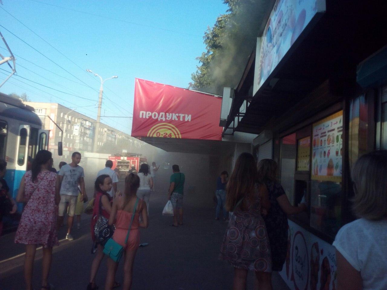 Як у Вінниці палав магазин з ноутбуками - фото 6