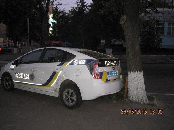 """У центрі Харкова копи протаранили """"десятку"""" - фото 2"""
